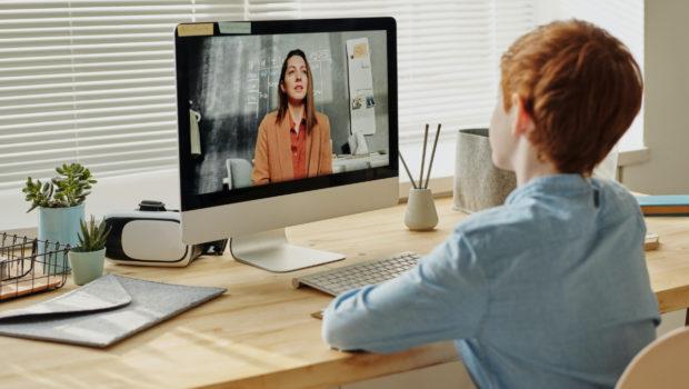 비대면 시대 온라인 수업 현황과 발전 방향